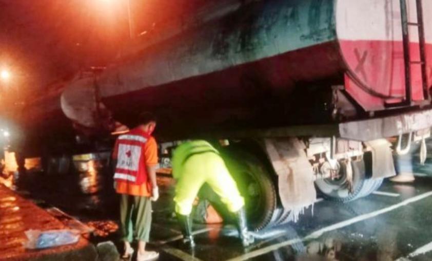 Malam Tahun 2021 Satu Orang Terlindas Truk Di Mojokerto