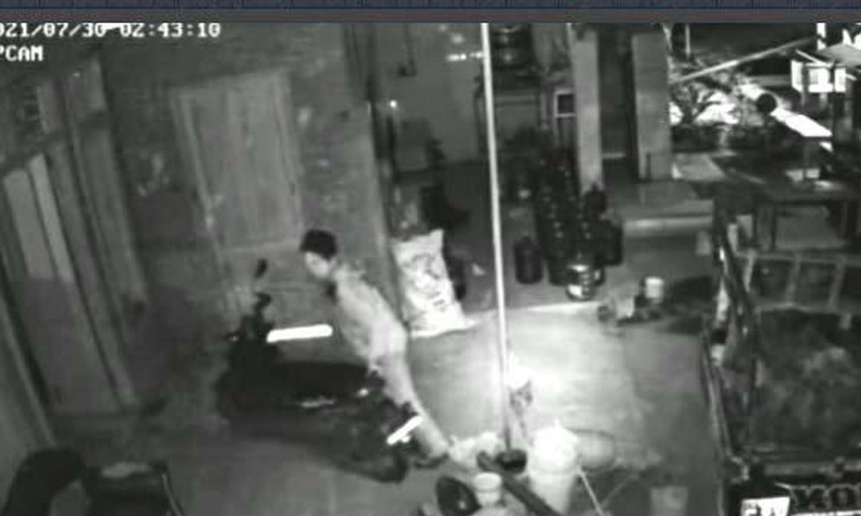 aksi pencurian, cctv, pemadaman pju