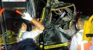 Kecelakaan mau, Tol Jombang - Mojokerto, Kecelakaan, Truk vs tronton